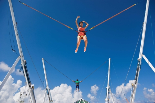 Bungy jump op de Enchantment of the Seas © RCCI