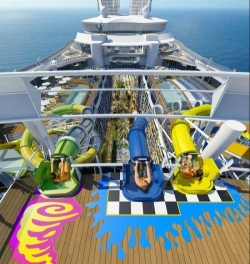 Sneak preview - glijbaan op de Harmony of the Seas in 2016 © RCCI